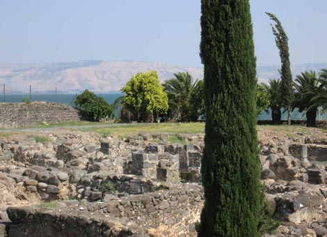 Blick von Kapernaum über den See auf den Golan
