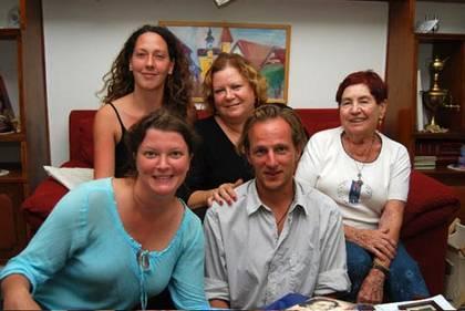 vorne: Ursula Henzl, Georg Traska; hinten: Judith Pühringer, Ruth Yaffee, Ella Kaufmann